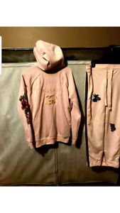GUCCI  WOMENS CLOTHING 1 OF A KIND MEET ANYWHERE IN GTA $200