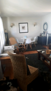 2 bedroom apartment available Dec. 1st