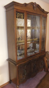 solid wood buffet and hutch  in exc cond