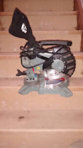 """Kings Canada 8 1/4"""" Double Mitre Saw"""