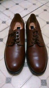 Real Leather Shoppe Shoes, Men's, Size 10,New Condition