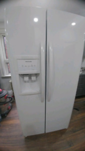 Frigidaire Side by Side refrigerator with Icemaker
