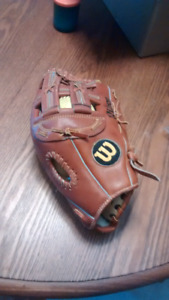 Wilson A2045 softball glove almost new