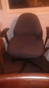 Rolling computer chair gray