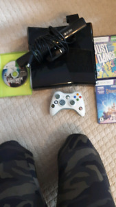 Xbox 360, with kinects and 1 controller
