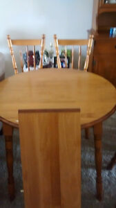 All wood kitcken table and chairs Peterborough Peterborough Area image 2