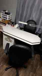 Professional nail desk with 2 chairs