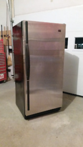 Refriferateur complet whirlpool stainless