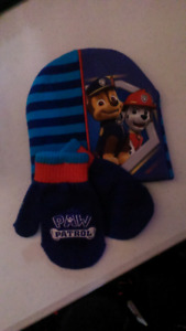 Paw patrol touqe and mitts