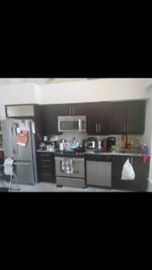 Kitchen Cabinets & 4 Kitchen Appliances