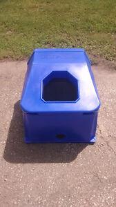 Energy free livestock waterer / water bowl