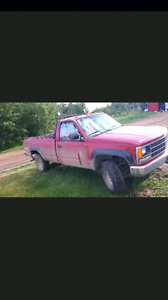 Chevy k2500 4x4 Manual LOW KM
