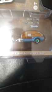 Greenlight  series 14 1961 Volkswagen  Teardrop Trailer chase