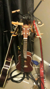 Selling Multiple Guitar Stand