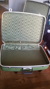 Vintage 1950s cavalier luggage set of 3