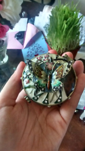 Beautiful Butterfly Weighted Trinket Box
