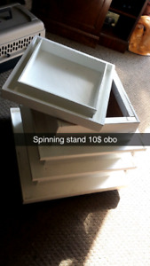 White spinning stand