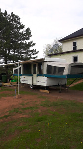 Large family tent trailer