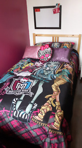Ensemble de douillette Monster high