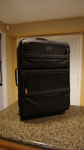 Alfred Sung Luggage set