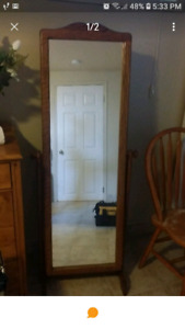 Beautiful 5ft Wooden Swivel mirror in perfect condition