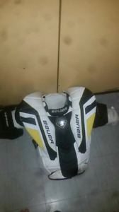 Bauer Supreme one.9 chest protecter