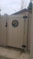 Vinyl, chain link, & wood fence. BBB Accredited