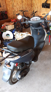 2012 Piazzio  fly  50cc scooter $1450