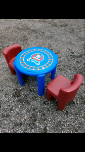 Little tikes kids table and 2 chairs.