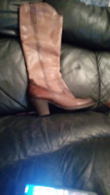 Design leather boots marco tozzi