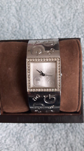 Woman's guess g's watch