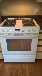 Gas Stove, Maytag slide in,