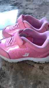 Joe fresh shoes, used good condition size 7t London Ontario image 2
