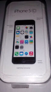New Unlocked Apple iphone 5C West Island Greater Montréal image 2