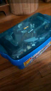 Assorted lego bin with cover