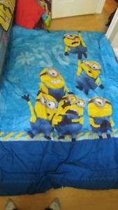 Complete bed set, rug & minion stuffy