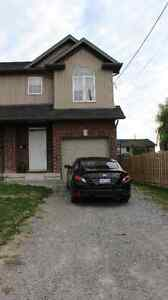 town house style home 3 bed with basement living space/ 4th bed