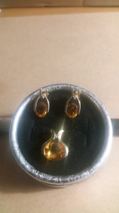LOVELY CITRINE PENDANT AND EARRINGS WITH DIAMONDS