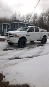 Dodge ram 1500 Hemi lifted