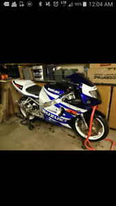 02 suzuki GSXR 750 fuel injected