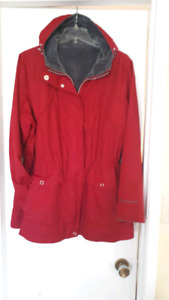 Womens Red reversible waterproof jacket with faux fur. Size XL.