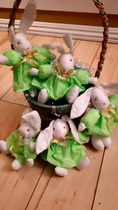 Great for the kids or grandkid's Easter basket or Decoration.$5