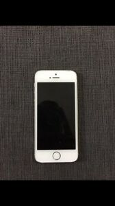 32gb IPhone 5s locked to bell
