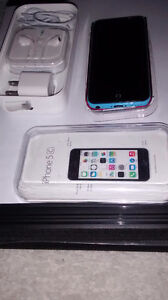 New Unlocked Apple iphone 5C West Island Greater Montréal image 1