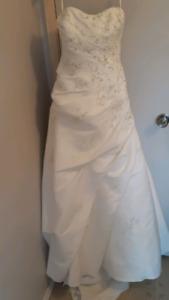Brand new David's bridal wedding dress *price drop*