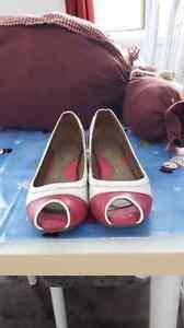 Souliers en cuir Crocs