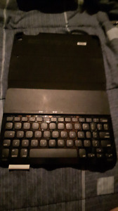 Logitech Type+ protective case with intergrated keyboard for ipa