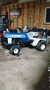 Old Ford lawn tractor