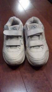 Leather Running shoes*Size 5 youth Kitchener / Waterloo Kitchener Area image 1