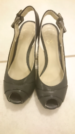 8b0440e76781 Clarks Leather shoes